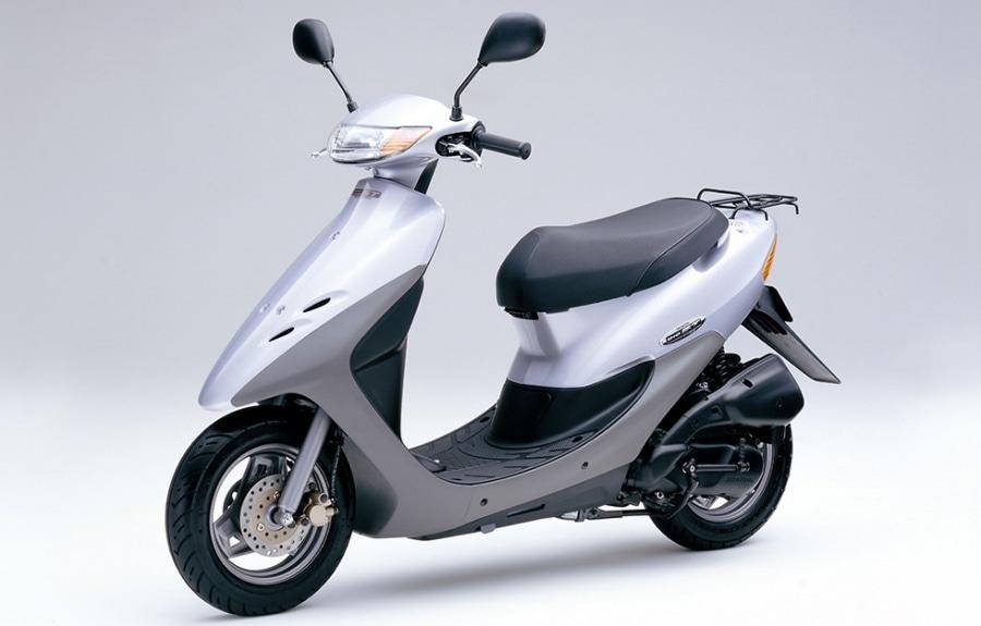 簡便な操作で効果的な制動力が得られ安心感を高めた「前・後輪連動ABS」搭載の50ccメットインスクーター「ホンダDio ST」を発売